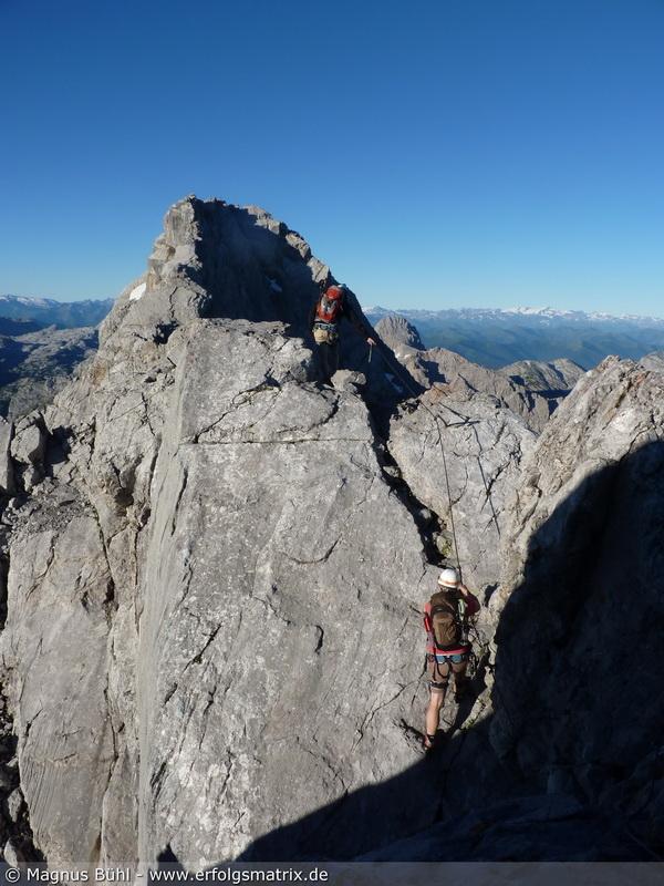 am hier geht's los auf den Steig über die Watzmann-Gipfel