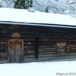Rappenseehütte im Winter - an der schwarzen Hütte geht's links weg