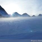 der Wind pfeift über den Gletscher